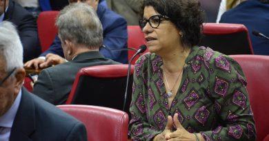 Deputados da Paraíba derrubam veto de governador para estimular pesquisas médicas e científicas com Cannabis para uso medicinal